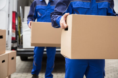 Relocating? There are a number of good reasons to contract professional movers. See the top 5 advantages of using a professional moving service.